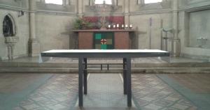 Wer wird künftig hinter dem Altar der Kirche St. Katharina stehen? Am 13. Oktober trifft die Gemeinde eine Entscheidung.