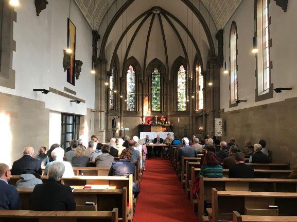 Gemeindeversammlung zur Wahl des Pfarrers am 13. Oktober 2019